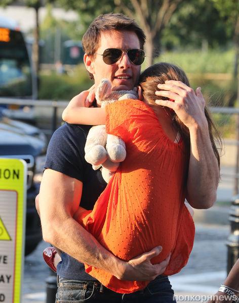 Том Круз встретился с дочерью