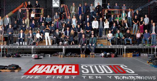 Видео: десятки звезд Marvel собрались для съемок юбилейного фото