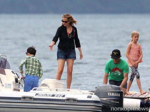 Джулия Робертс с семьей отдыхает на озере Комо