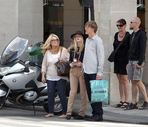 Элль Фаннинг в Париже