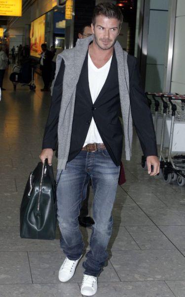 Дэвид Бэкхем в аэропорту Лондона