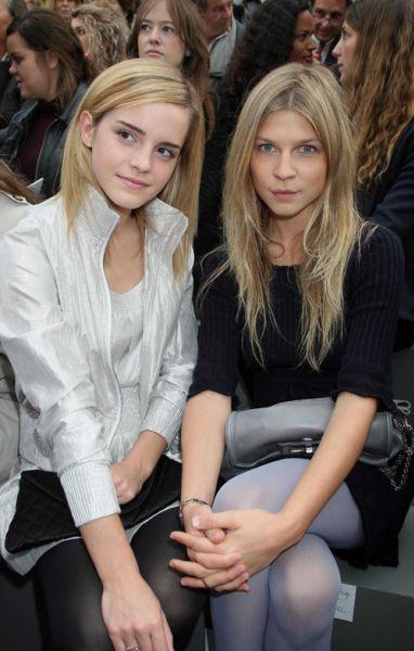 Эмма Уотсон на показе Chanel