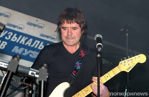 «Плачет девочка в автомате»: умер певец и звезда 90-х Евгений Осин