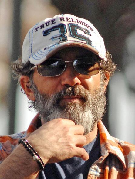 Антонио Бандерас следует моде на бороду