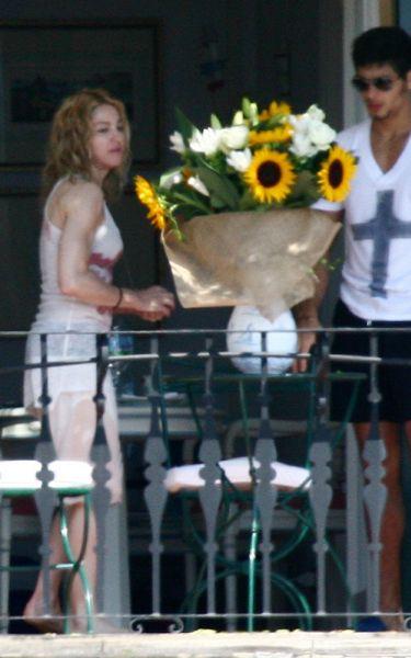 Мадонна отмечает день рождения с Иисусом