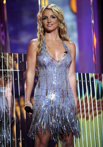 Бритни Спирс выставила на аукцион свое платье