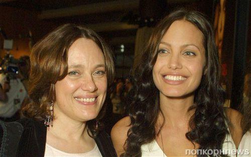 Анджелина Джоли призналась, что удалила яичники по просьбе умершей матери