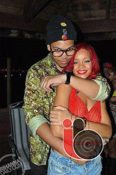 Рианна на вечеринке по случаю ее возвращения на Барбадос