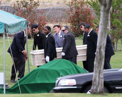 британи мерфи фото с похорон