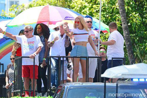 Игги Азалия станцевала на гей-параде в Майами