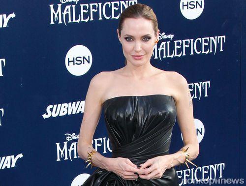Анджелина Джоли: «У Мэддокса есть подружка»