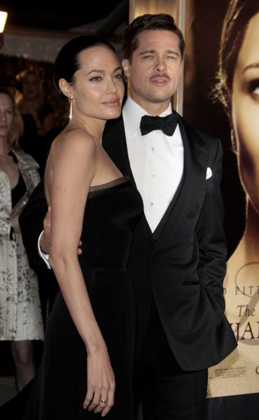 """Брэд Питт и Анджелина Джоли на премьере фильма """"Загадочная история Бенджамина Баттона"""""""