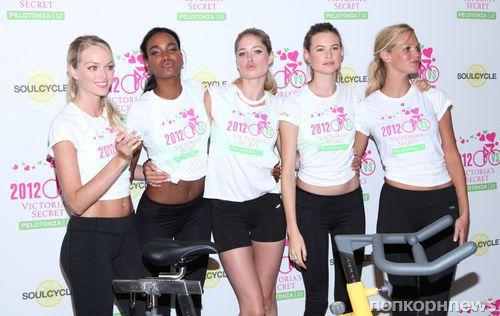 Ангелы Victoria Secret крутят педали ради благотворительности