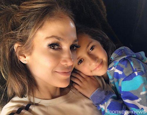 10-летняя дочь Дженнифер Лопес собирается издать свою первую книгу