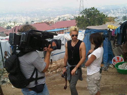 Джаред Лето помогает Гаити