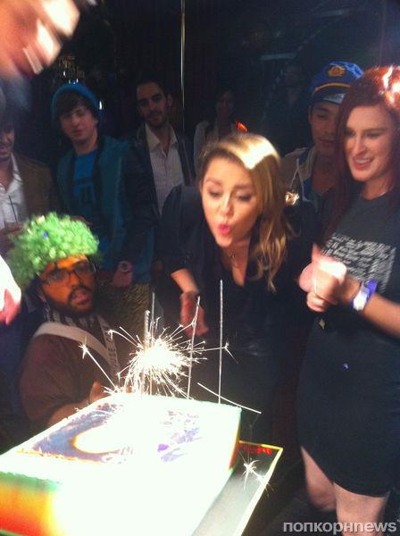 Майли Сайрус отметила День рождения