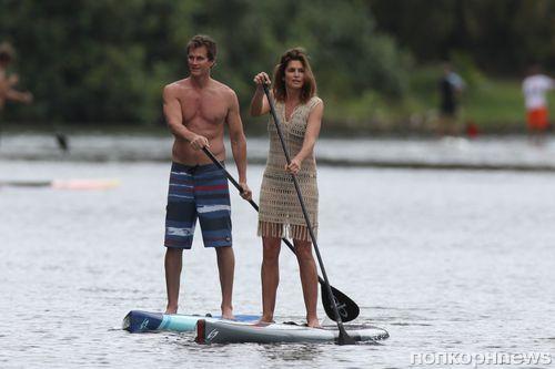 Синди Кроуфорд с мужем на Гавайях