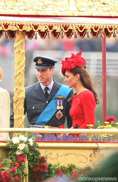 Кейт Миддлтон и принц Уильям на речном параде в честь Елизаветы II