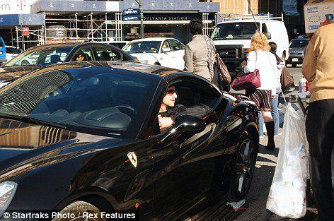 Эдриан Броуди ездит на Ferrari и питается хот-догами