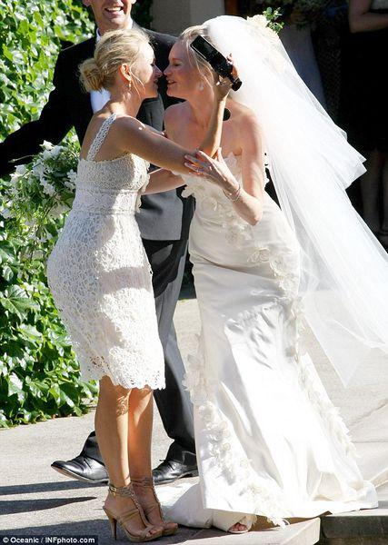 Наоми Уоттс стала подружкой невесты