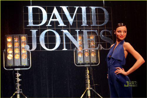 Миранда Керр представила новую коллекцию David Jones