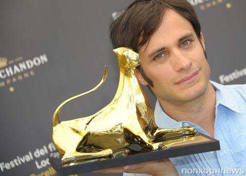 Гаэль Гарсиа Берналь на фотоколле кинофестиваля в Локарно