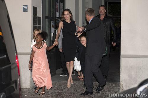 Анджелина Джоли отметила день рождения в семейном кругу