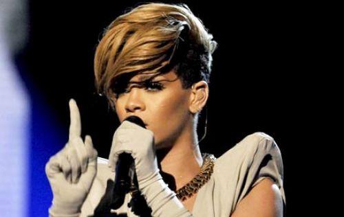 Выступление Рианны и Алишии Кис на шоу X-Factor