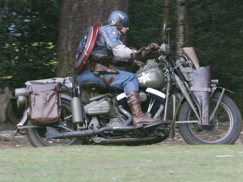 """Фото со съемочной площадки фильма """"Капитан Америка: Первый мститель"""""""