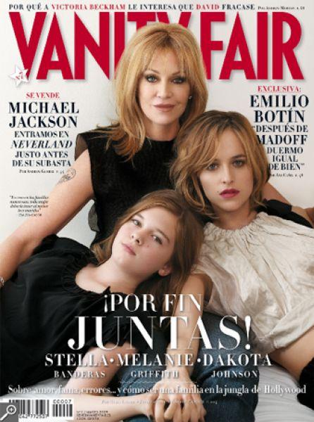 Мелани Гриффит с дочерьми в журнале Vanity Fair