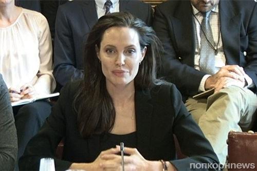 Анджелина Джоли выступила с речью о преступлениях боевиков ИГИЛ