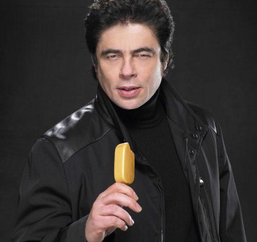 Бенисио дель Торо в рекламе мороженого Magnum Gold