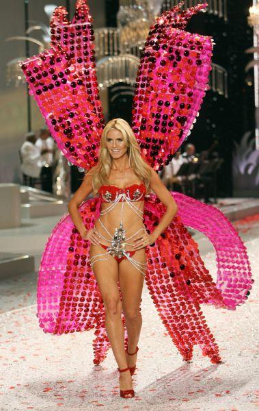 Показ Victoria's Secret