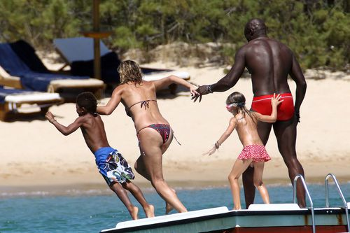 Хайди Клум с семьей на Сардинии