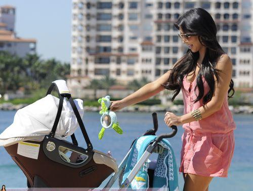 Ким Кардашиан с племянником в Майами