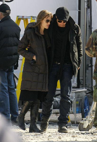 Брэд Питт заехал на съемочную площадку фильма Анджелины Джоли