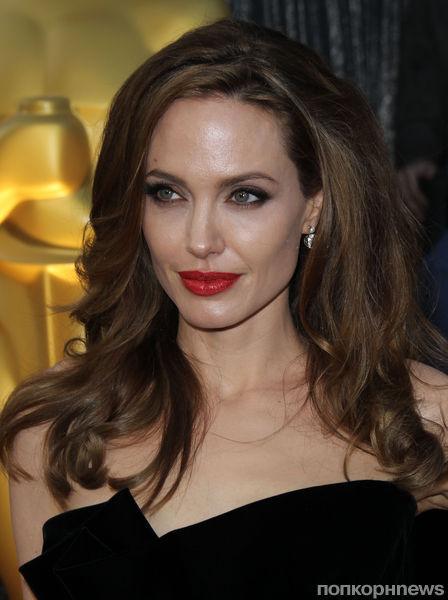 """Анджелина Джоли: """"Я хочу мирного будущего для своих детей"""""""