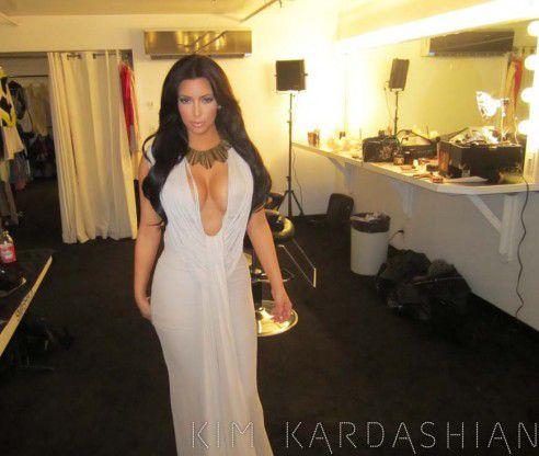 Ким Кардашиан на фотосессии для семейного шоу «Keeping Up With The Kardashians»