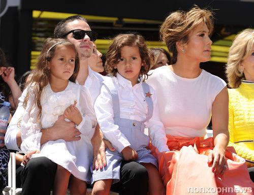 Дети Дженнифер Лопес скучают по ее бывшему бойфренду Касперу Смарту