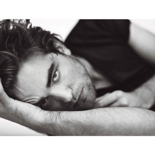 Другие фото Роберта Паттинсона из фотосессии для журнала GQ