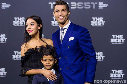 СМИ: Криштиану Роналду стал отцом близнецов