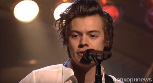 Гарри Стайлс представил новую песню Ever Since New York в эфире шоу SNL