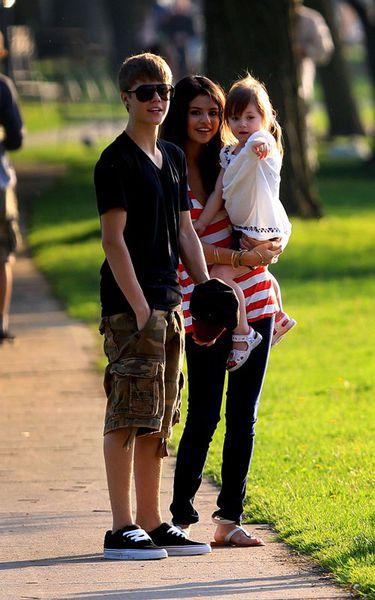 Джастин Бибер познакомил Селину Гомес со своими родителями