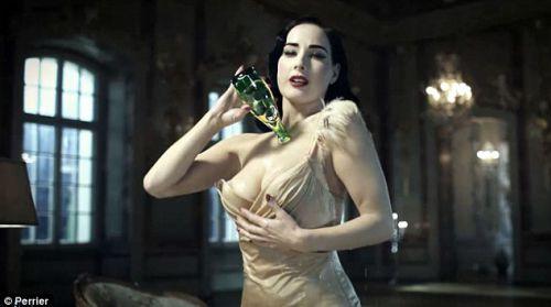 Видео: Дита фон Тиз в рекламе минеральной воды Perrier