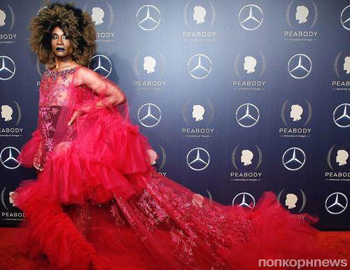 Продолжает удивлять: звезда сериала «Поза» Билли Портер вновь примерил платье