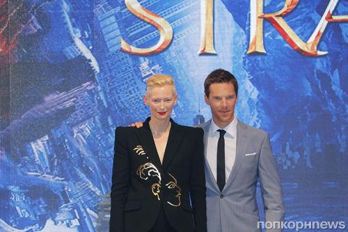 Тильда Суинтон и Бенедикт Камбербэтч на премьере «Доктор Стрэндж» в Гонконге