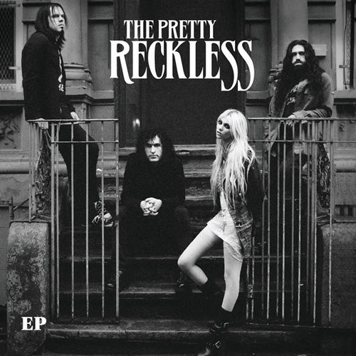 "Видео: The Pretty Reckless ""Just Tonight"""