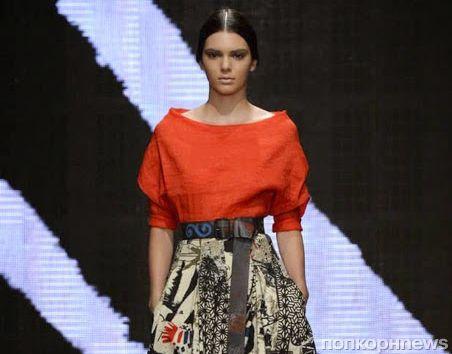 Модный показ новой коллекции Donna Karan. Весна / лето 2015
