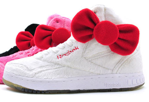 Интересные штучки: кроссовки Reebook и Hello Kitty