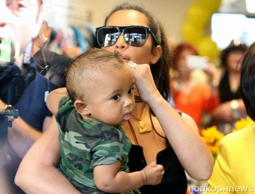 Ким Кардашьян впервые вышла на публику с 7-месячным сыном Сэйнтом